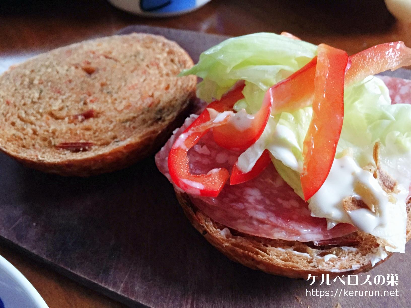 バニトイベーグルのベーグルでサンドイッチのブランチ