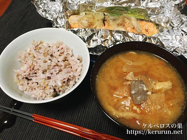 【一汁一菜】豚汁とサーモンのホイル焼き