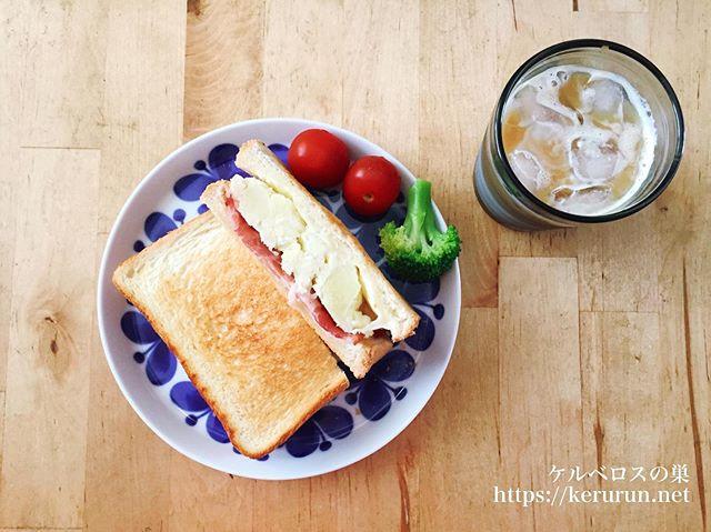 ポテトサラダのサンドイッチで朝ごはん